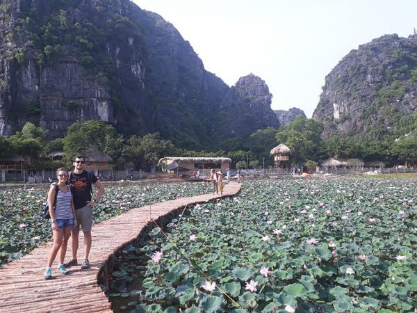 Xuất hiện đầm sen đẹp lạ lùng ở Ninh Bình làm giới trẻ mê mẩn muốn đến check in-7
