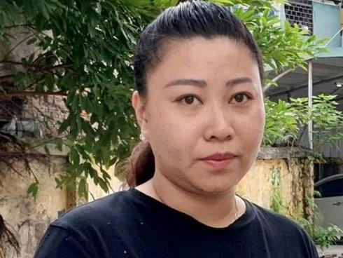 Đại úy Lê Thị Hiền tố 2 mẹ con bị giam lỏng, hàng không nói 'hiểu lầm'
