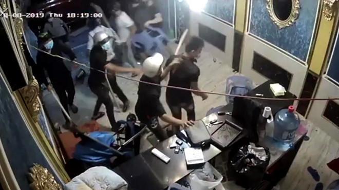 Bắt nhóm giang hồ đập phá quán karaoke ở Sài Gòn-2