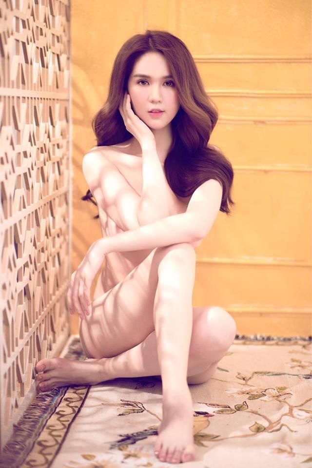 Ngọc Trinh cởi 100% ngoài biển Bali như muốn dằn mặt Bích Phương cái tội vừa tập tành sexy mà đã muốn vượt mặt chị?-7