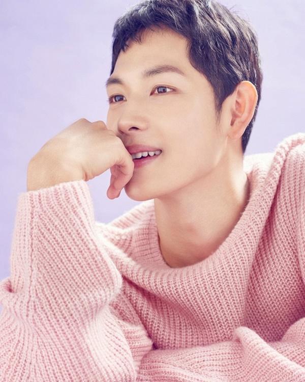 5 nam diễn viên nóng bỏng nhất hiện tại của điện ảnh Hàn Quốc trùng hợp đều sinh năm 1988 - Họ là ai?-4