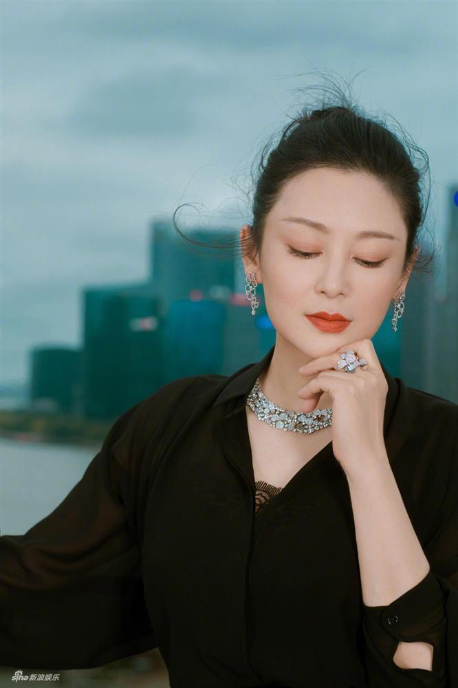 VZN News: Cảnh nóng của mỹ nhân đẹp nhất Trung Quốc bất ngờ hot trở lại sau 25 năm-10