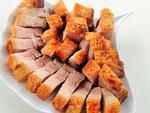 Mẹo làm thịt heo quay giòn bì đơn giản với muối