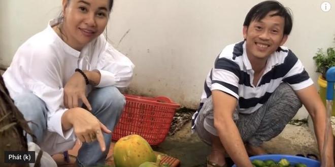VZN News: Cát Phượng: Hoài Linh nuôi cá, đặt tên là Trường Giang, Chí Tài-1