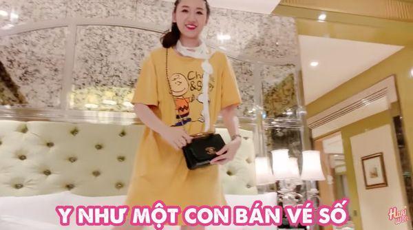 Trấn Thành so sánh Hari Won với con bán vé số khi đập hộp túi hàng hiệu chồng tặng bằng...răng-4