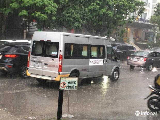 Buổi thực nghiệm hiện trường vụ cháu bé trường Gateway: Trời mưa khiến thời gian di chuyển không khớp với hôm xảy ra sự việc-2