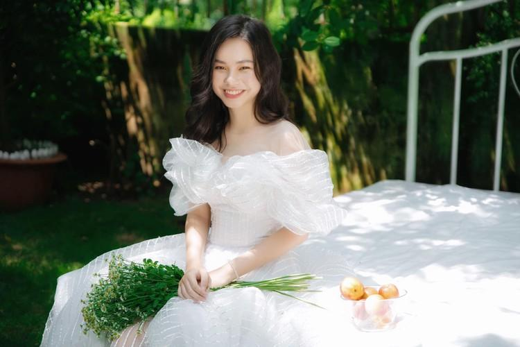 VZN News: Nữ diễn viên đóng cảnh nóng năm 13 tuổi ngày càng xinh đẹp sau ồn ào bị khán giả tẩy chay-5
