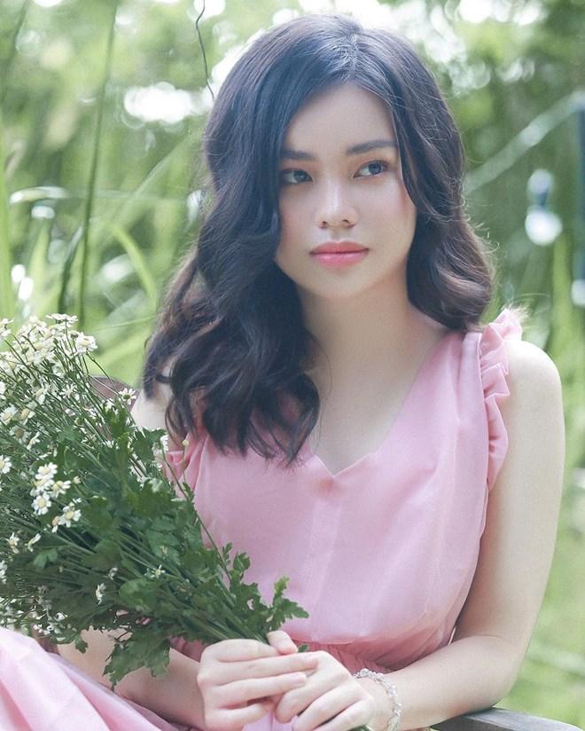 VZN News: Nữ diễn viên đóng cảnh nóng năm 13 tuổi ngày càng xinh đẹp sau ồn ào bị khán giả tẩy chay-7