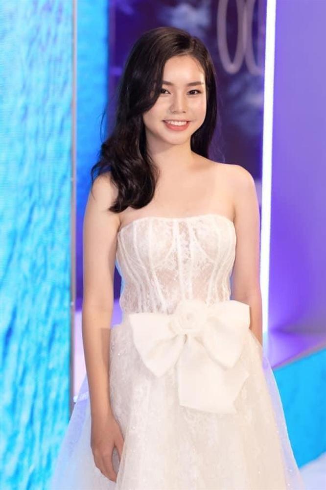 VZN News: Nữ diễn viên đóng cảnh nóng năm 13 tuổi ngày càng xinh đẹp sau ồn ào bị khán giả tẩy chay-10