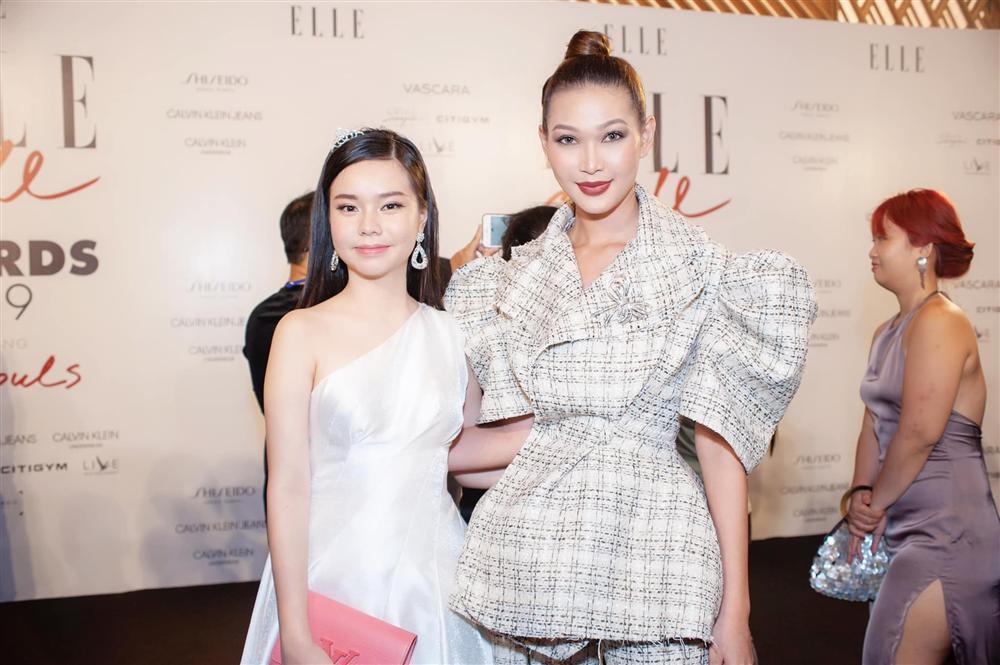 VZN News: Nữ diễn viên đóng cảnh nóng năm 13 tuổi ngày càng xinh đẹp sau ồn ào bị khán giả tẩy chay-11