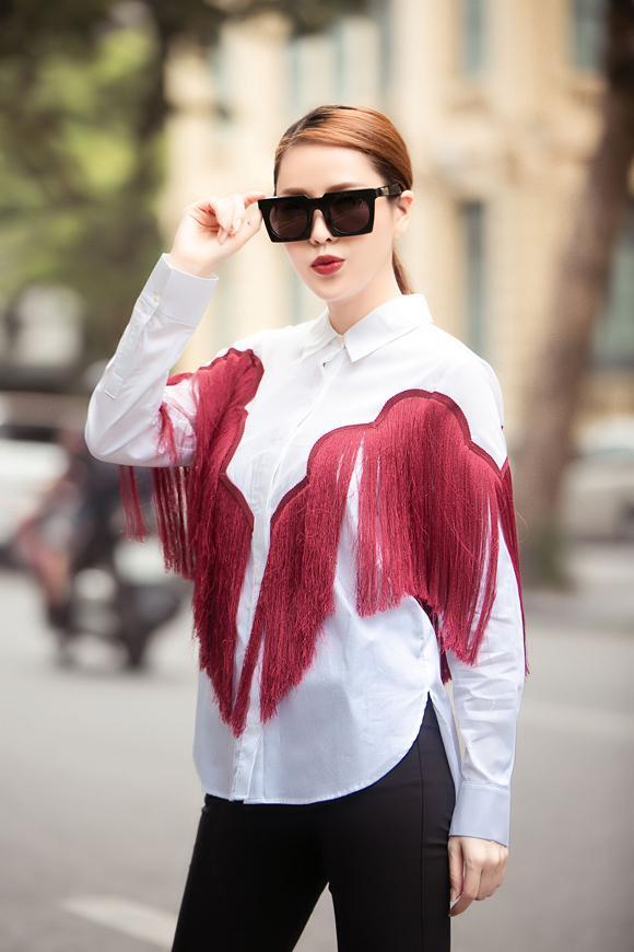 Quế Vân gây choáng khi mặc thả rông ra phố, trang phục chỉ mang tính minh họa-5