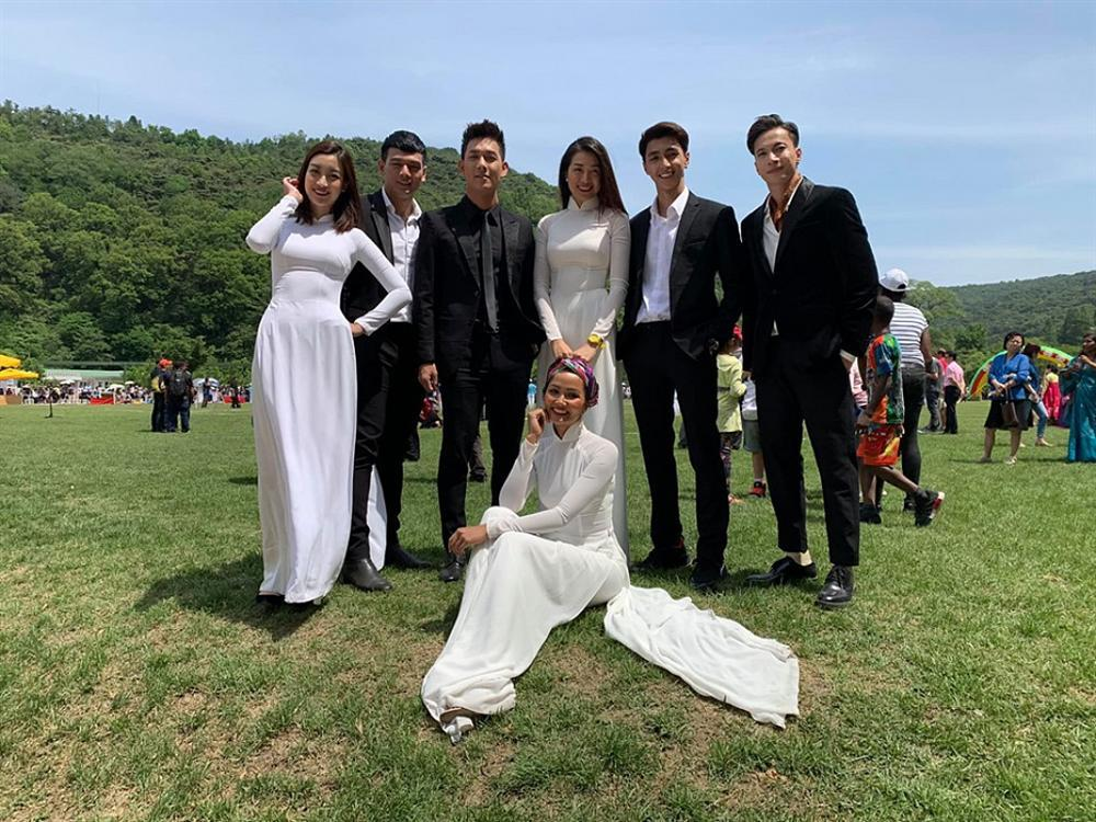 Đỗ Mỹ Linh lại bị ghét chỉ vì mặc áo dài trắng hơn dàn mỹ nhân toàn hoa hậu á hậu tại Cuộc đua kỳ thú 2019-5