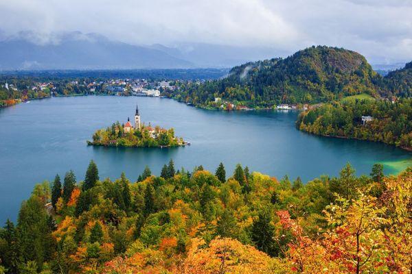 5 địa điểm du lịch mùa thu đẹp như tranh vẽ mà bạn nên đặt chân đến một lần trong đời-4