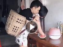 Chồng cụt 2 chân, vợ cụt 1 tay và clip tình yêu hạnh phúc làm nhiều người xúc động