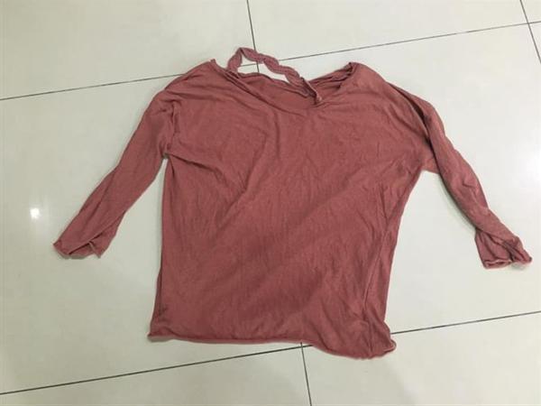 VZN News: Chồng bất cẩn giật đồ làm hỏng chiếc áo vợ thích và màn trợ lực của dân mạng để giải hòa-1