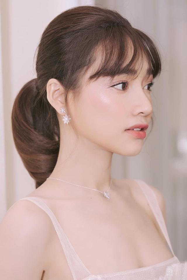 Nhã Phương trang điểm tươi trẻ như gái 18 - Em bé Hà Nội Lan Hương xuất hiện với diện mạo lạ lẫm-5