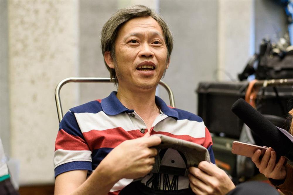 Sự kỳ lạ của nghệ sĩ Hoài Linh-4