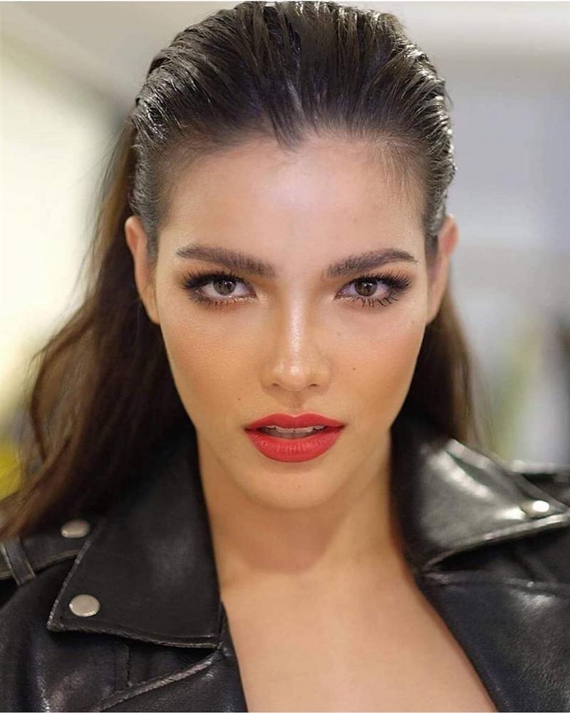 VZN News: Bản tin Hoa hậu Hoàn vũ 1/9: HHen Niê lên đồ neon quá xuất sắc, không ai đọ được phong cách thời trang-10