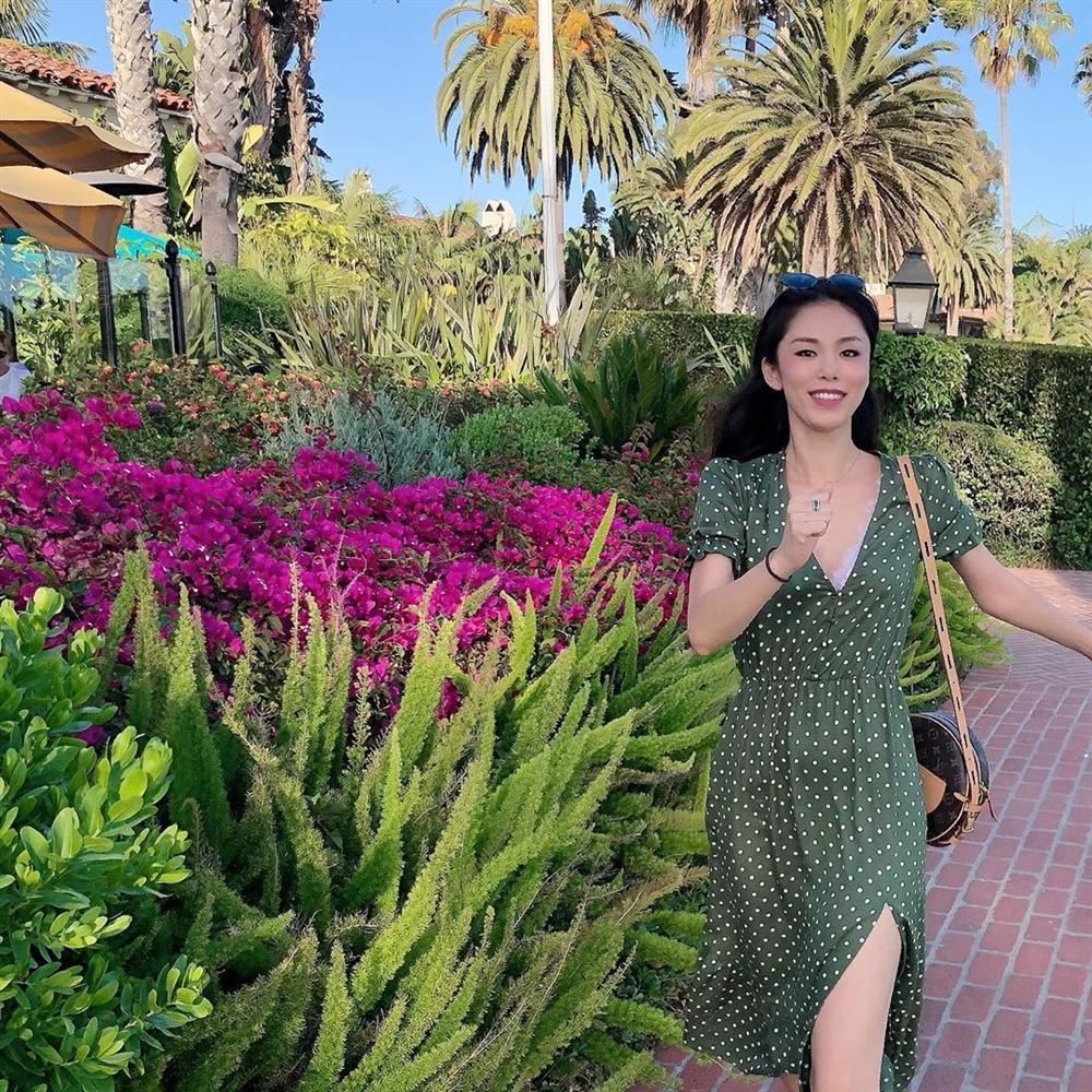 VZN News: Bản tin Hoa hậu Hoàn vũ 1/9: HHen Niê lên đồ neon quá xuất sắc, không ai đọ được phong cách thời trang-3