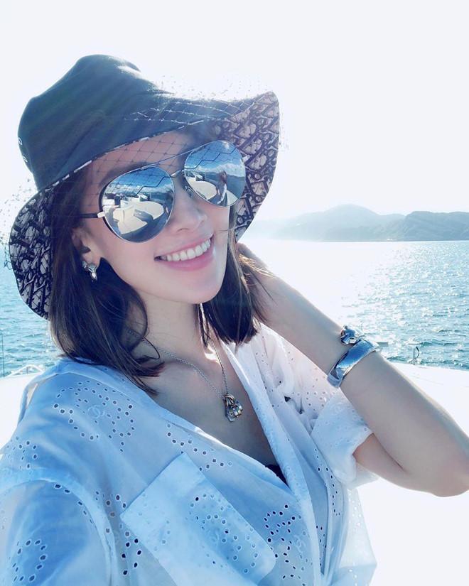 Vóc dáng chuẩn người mẫu ở tuổi 35 của vợ Lâm Chí Dĩnh-9