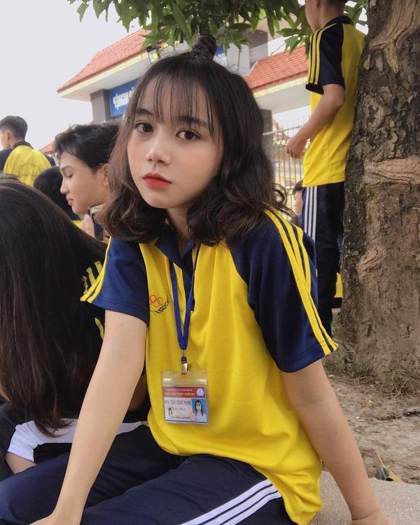Ngay buổi đầu nhập học, nữ sinh đã khiến hội trai đẹp muốn trụy tim chỉ với một bức ảnh bị chụp trộm-4