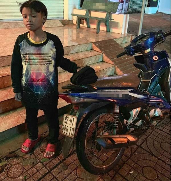 VZN News: Xôn xao bé trai 13 tuổi tự lái xe máy chạy gần 300km từ Kon Tum đến Đắk Lắk-1