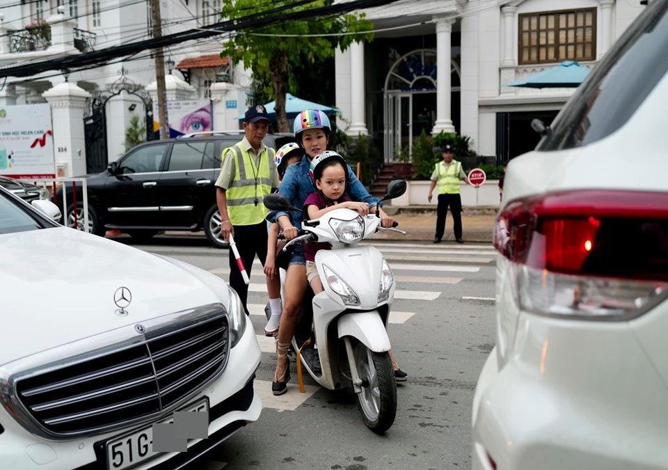 Diva Hồng Nhung sống hạnh phúc bên các con sau 1 năm ly hôn chồng ngoại quốc-2