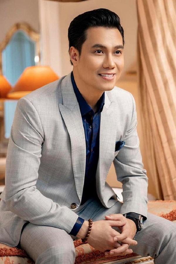 VZN News: Vẻ ngoài của Việt Anh thay đổi thế nào từ lúc mới vào nghề tới khi phẫu thuật thẩm mỹ?-7