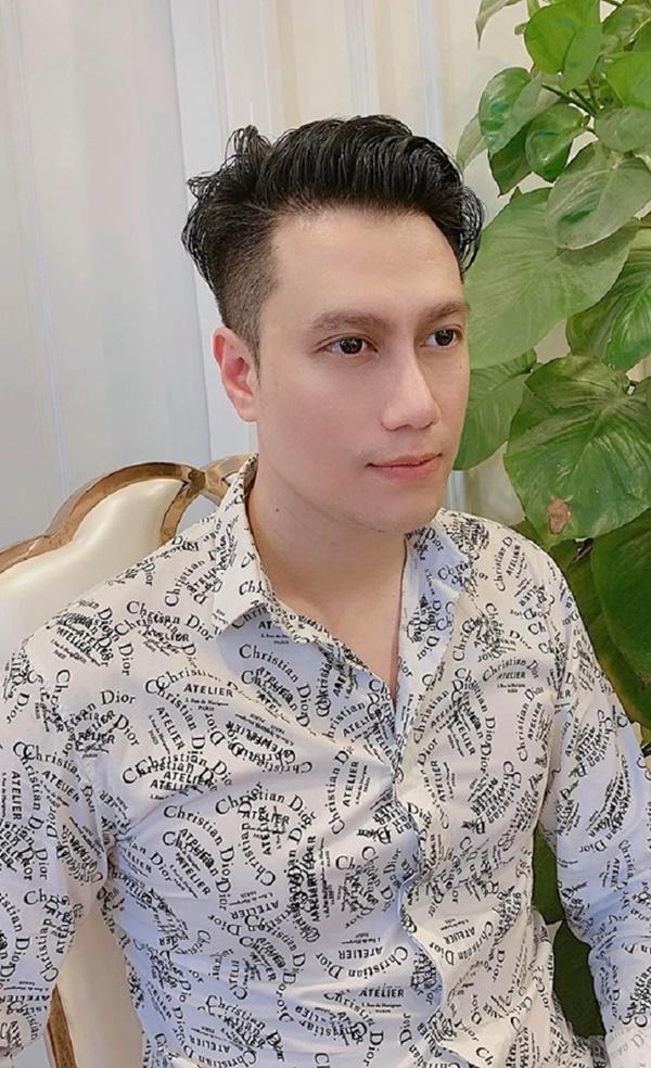 VZN News: Vẻ ngoài của Việt Anh thay đổi thế nào từ lúc mới vào nghề tới khi phẫu thuật thẩm mỹ?-8