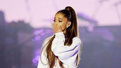 Clip gây phẫn nộ: Ariana Grande bị fan giật kéo thô bạo tại Đức