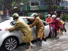 Miền Trung mưa lớn, nhiều địa bàn bị chia cắt, một người mất tích