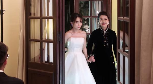 Vlog cưới của con gái Minh Nhựa vừa ra mắt hút ngay 600 nghìn lượt xem, ai cũng xuýt xoa bởi độ hoành tráng-9