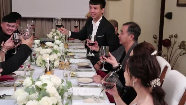 Vlog cưới của con gái Minh Nhựa vừa ra mắt hút ngay 600 nghìn lượt xem, ai cũng xuýt xoa bởi độ hoành tráng-10