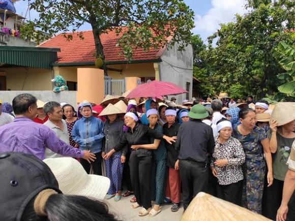VZN News: Vụ anh ruột truy sát cả nhà em trai ở Hà Nội: Hai bên từng mang cuốc xẻng đuổi nhau vì… đất-2