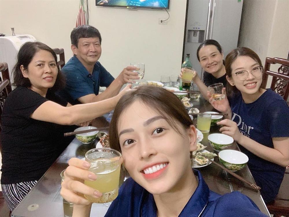 Hoa hậu Đặng Thu Thảo tự nhận mình tướng học sinh, mặt phụ huynh-6