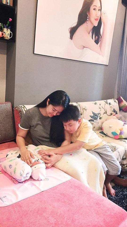 Hoa hậu Đặng Thu Thảo tự nhận mình tướng học sinh, mặt phụ huynh-8