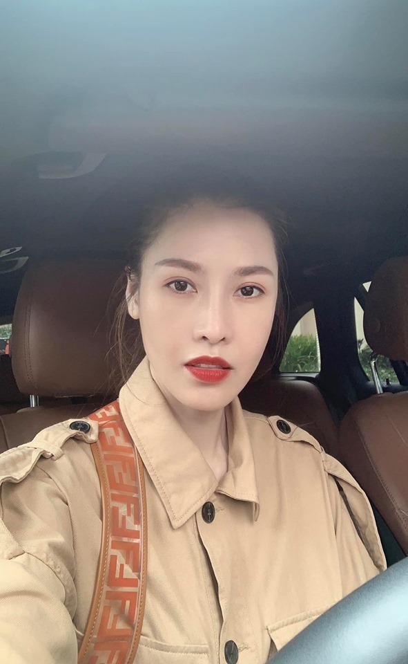 Hoa hậu Đặng Thu Thảo tự nhận mình tướng học sinh, mặt phụ huynh-9