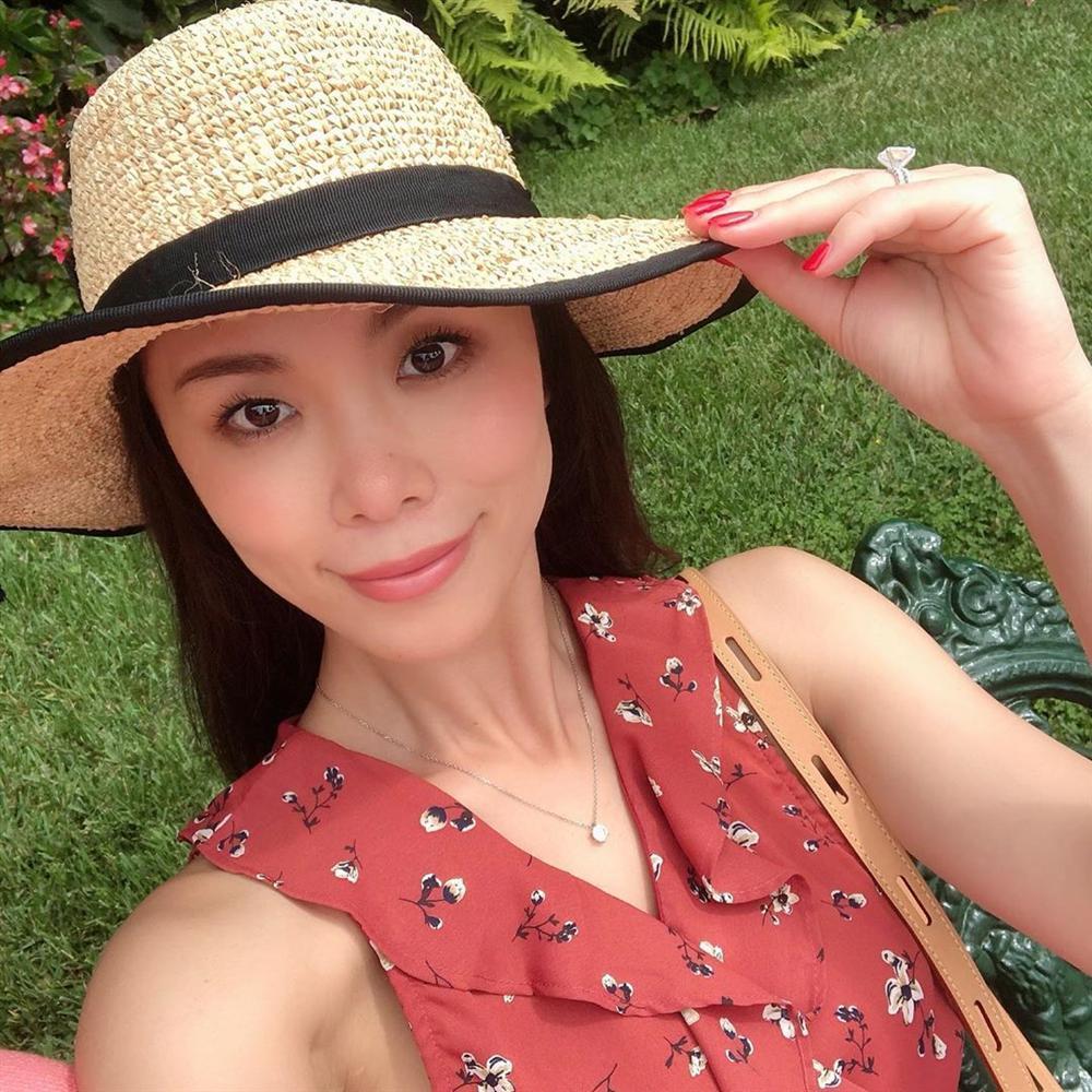 Bản tin Hoa hậu Hoàn vũ 3/9: Không ngờ cũng có ngày Hoàng Thùy lép vế thời trang trước dàn đối thủ-8