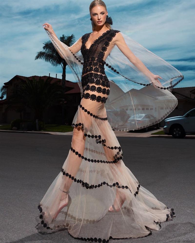 Bản tin Hoa hậu Hoàn vũ 3/9: Không ngờ cũng có ngày Hoàng Thùy lép vế thời trang trước dàn đối thủ-6