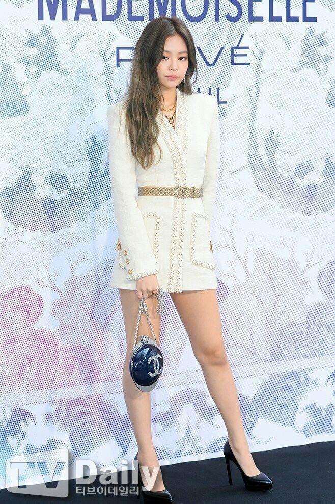 Jennie đang nổi tiếng nhất Hàn Quốc, từng diện set đồ tới 40.000 USD-2