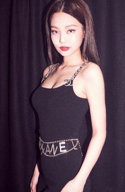 Jennie đang nổi tiếng nhất Hàn Quốc, từng diện set đồ tới 40.000 USD-7