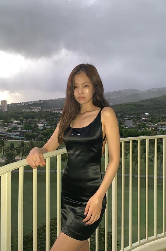 Jennie đang nổi tiếng nhất Hàn Quốc, từng diện set đồ tới 40.000 USD-8