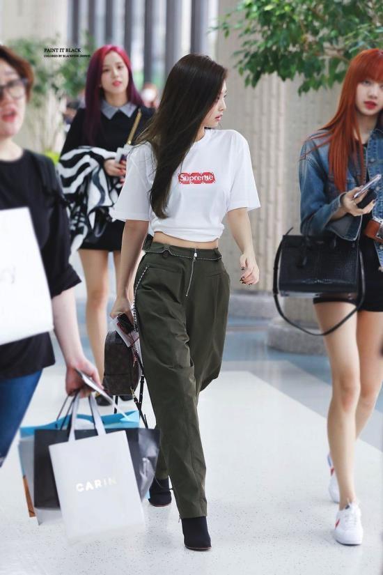 Jennie đang nổi tiếng nhất Hàn Quốc, từng diện set đồ tới 40.000 USD-13