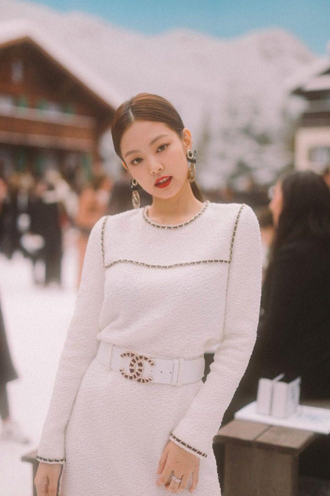 Jennie đang nổi tiếng nhất Hàn Quốc, từng diện set đồ tới 40.000 USD-3