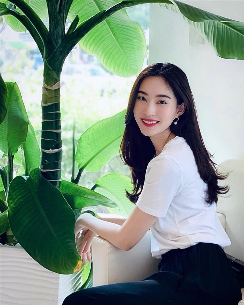 Hoa hậu Đặng Thu Thảo xuất hiện với gương mặt khác lạ đến fans ruột cũng chẳng nhận ra-10