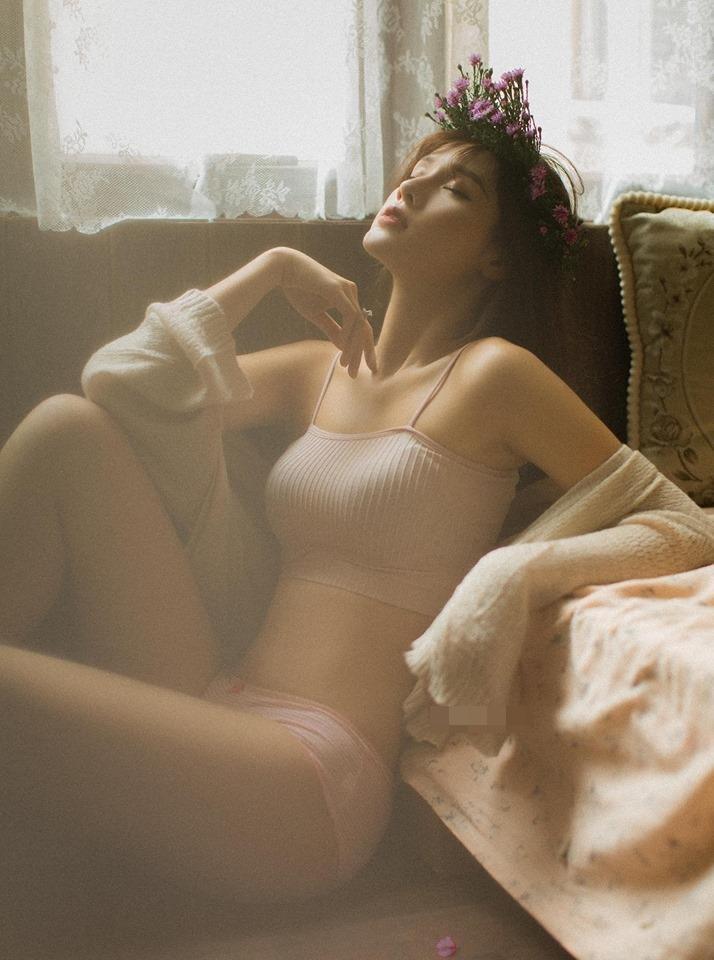 VZN News: Bạn gái Trọng Đại tung ảnh thiếu vải trong phòng ngủ nhưng caption sặc mùi thính mới thu hút tò mò-7
