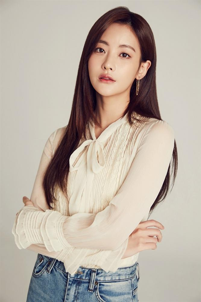 Danh sách mỹ nhân Hàn điêu đứng vì bị nghi ngờ ngoại tình với chồng nàng Cỏ Goo Hye Sun-4