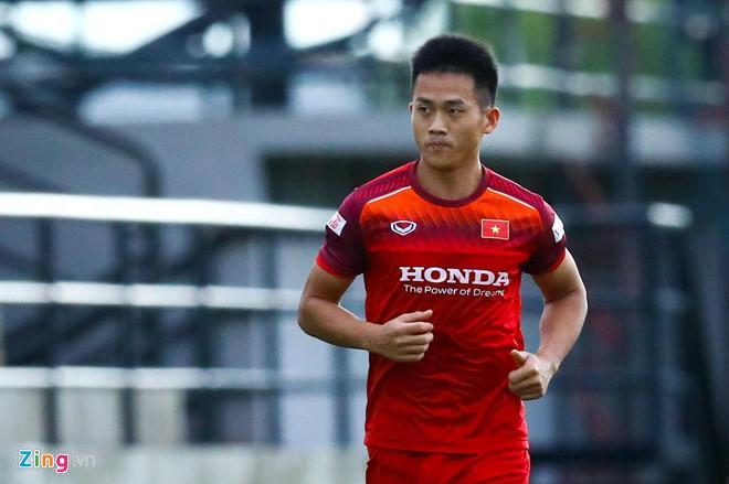 HLV Park Hang Seo chốt danh sách 23 tuyển thủ Việt Nam đấu Thái Lan-1