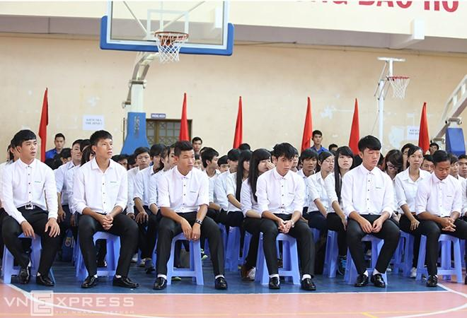 VZN News: Soi ảnh thời mài đũng quần của tuyển Việt Nam, ngố nhất là Công Phượng, Quang Hải-1