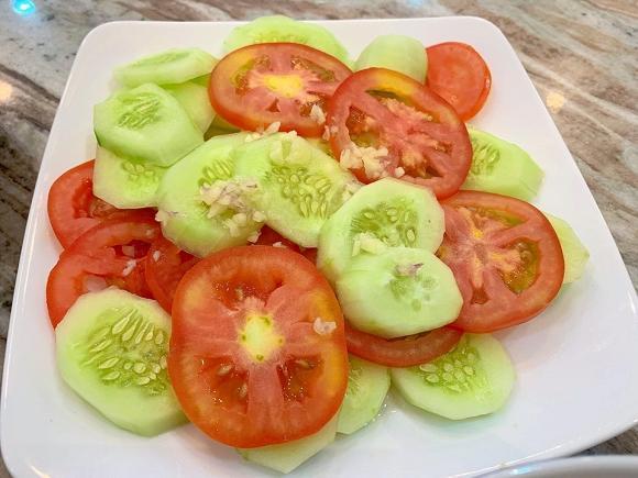 Đăng Khôi trổ tài nấu ăn cho vợ, biết giá mâm cơm, ai cũng ngưỡng mộ-7